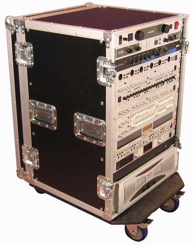 Gator Cases G-TOUR16UCA-24D Oversized ATA 16RU Amp Rack with Casters G-TOUR16UCA-24D