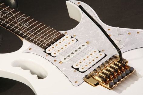 Ibanez JEM7V WH Steve Vai JEM Guitar Steve Vai JEM White JEM7VWH