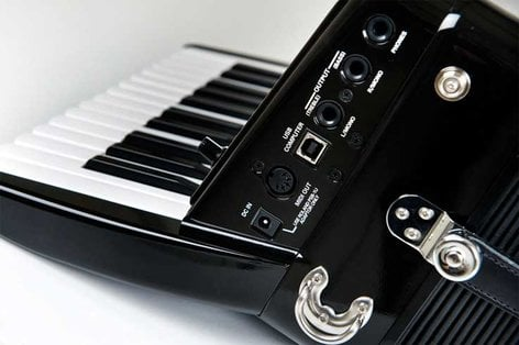 Roland FR-1x V-Accordion Piano-Type Digital Accordion in Red with Speaker FR1X-RD