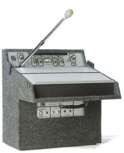 Soundcraft Systems R600  14W Rental Lecternette with Amplifier and Built-in Microphone R600
