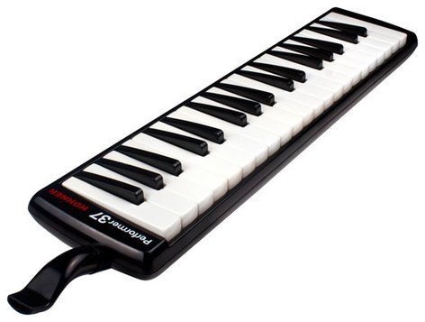 Hohner Performer 37 37-Key Melodica in Black with Gig Bag S37