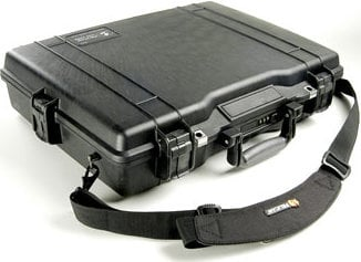 Pelican Cases PC1495NF Medium Laptop Case without Foam PC1495NF