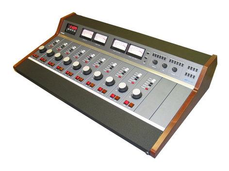 Dynamax Consoles MX10RW Dynamax MX Series Modular 10-Channel Broadcast Audio Console MX10RW