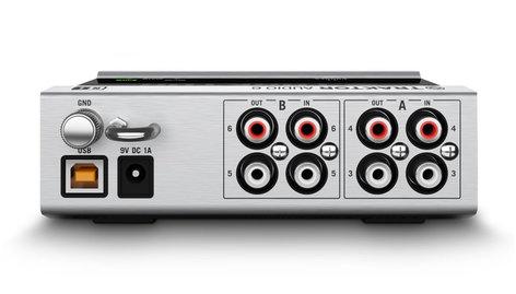 Native Instruments TRAKTOR SCRATCH A6 4-Deck Digital Vinyl System Package TRAKTOR-SCRATCH-A6