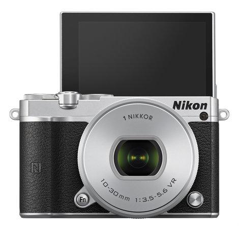 Nikon 27709 20.8MP 1 J5 One-Lens Camera Kit in Silver 27709