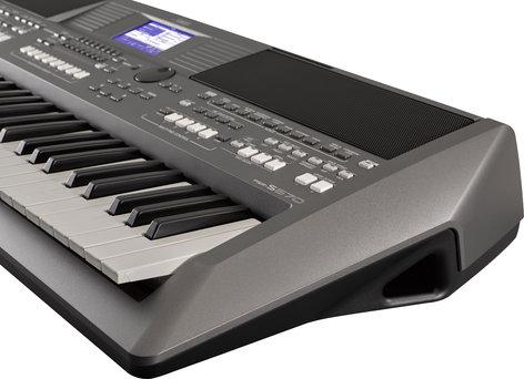 Yamaha PSR-S670 61-Key Arranger Workstation PSR-S670