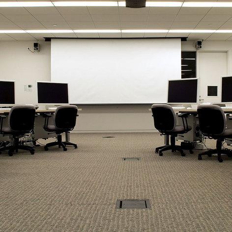 "Draper Shade and Screen 112207  110 V, 119"" Envoy Projection Screen 112207"