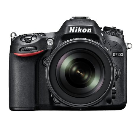 Nikon 13489  D7100 Cammera with Bag and 32G card 13489