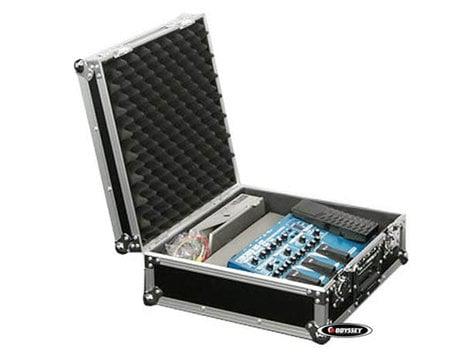 """Odyssey FZGPEDAL17  17"""" Guitar Pedal Board Case FZGPEDAL17"""