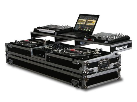 Odyssey FZGSPDJ12W  Flight Zone Remixer Glide Style Series Universal Turntable DJ Coffin Case with Wheels FZGSPDJ12W