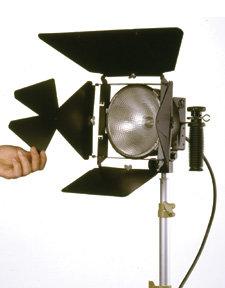 Lowel Light Mfg D2-102 DP Light Kit  D2-102