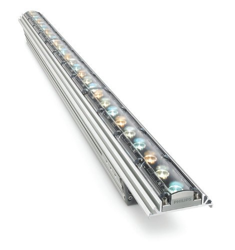 Philips Color Kinetics iW Graze QLX Powercore 5W Low-Power Linear Exterior LED Wall Grazing Fixture, 30° x 60° Beam Angle, 3 ft 523-000085-13