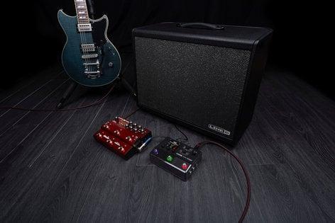 Line 6 HX Stomp Footswitch Ultra-Compact Guitar Multi-FX Floor Processor