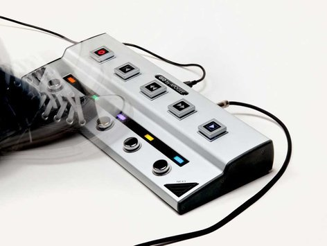 Apogee GiO Audio Interface USB FloorPedal for Logic Studio 9 , Main Stage 2, GarageBand '09 GIO
