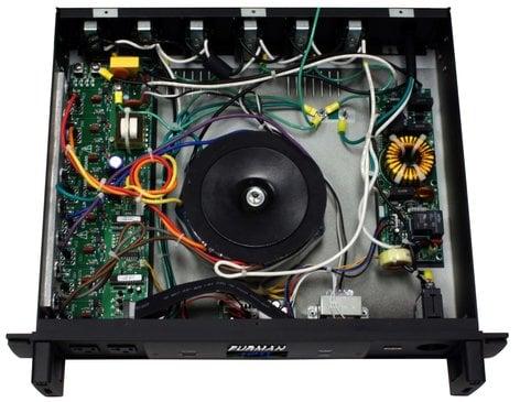 Furman P2400AR  20Amp Balanced Pwr Conditioner  P2400AR