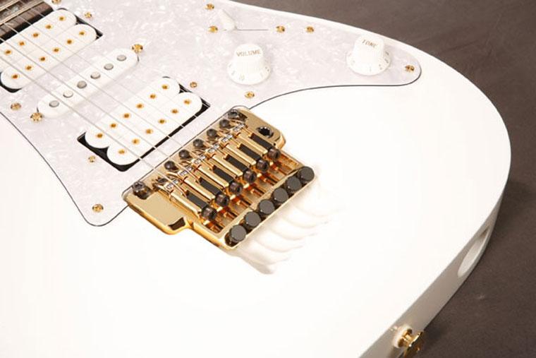 Guitar Steve Vai JEM White