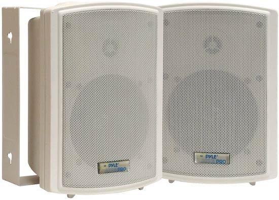 """1 Pair of 5.25"""" Indoor/ Outdoor Speakers in White"""