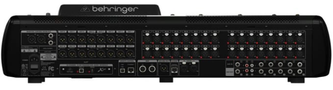 32-Channel Digital Mixing Console with Touring Case