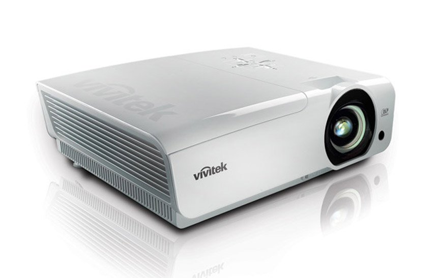 5500 Lumens XGA 3D Projector in White for Small Conference Rooms