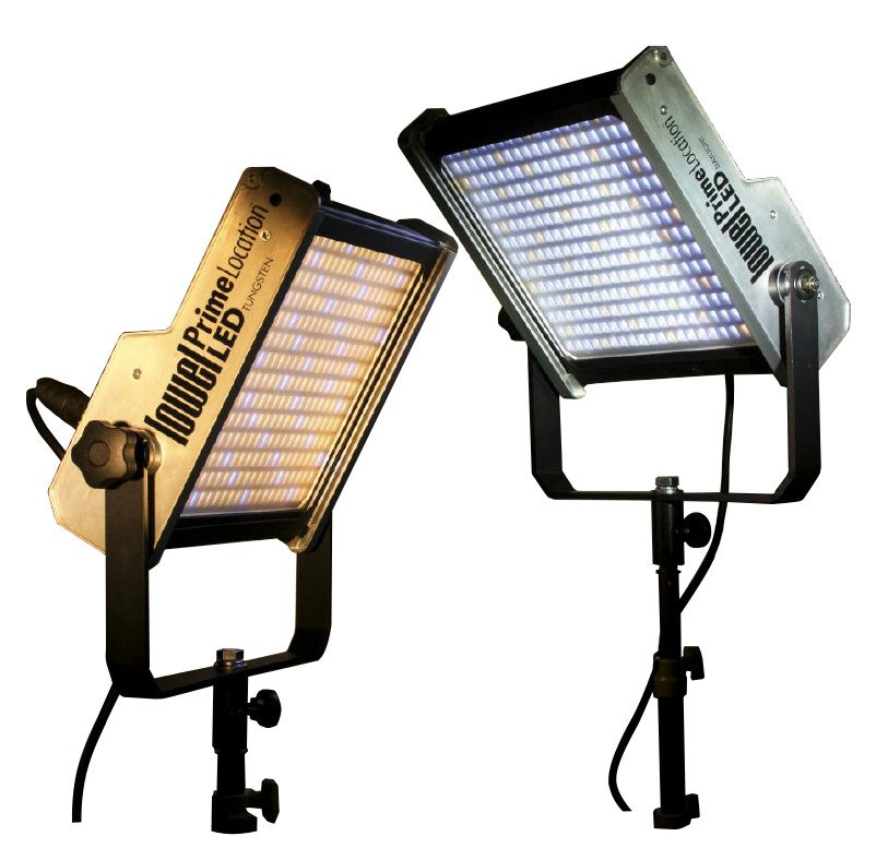 BiColor 5800-6000 Lumens LED Light Fixture with Gold Mount Battery Plate
