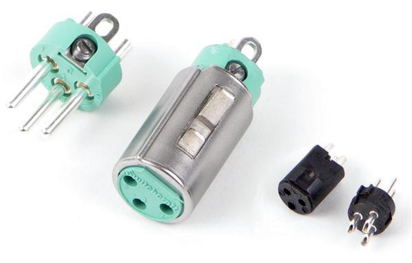 Screw-On Female XLR Connector in Black