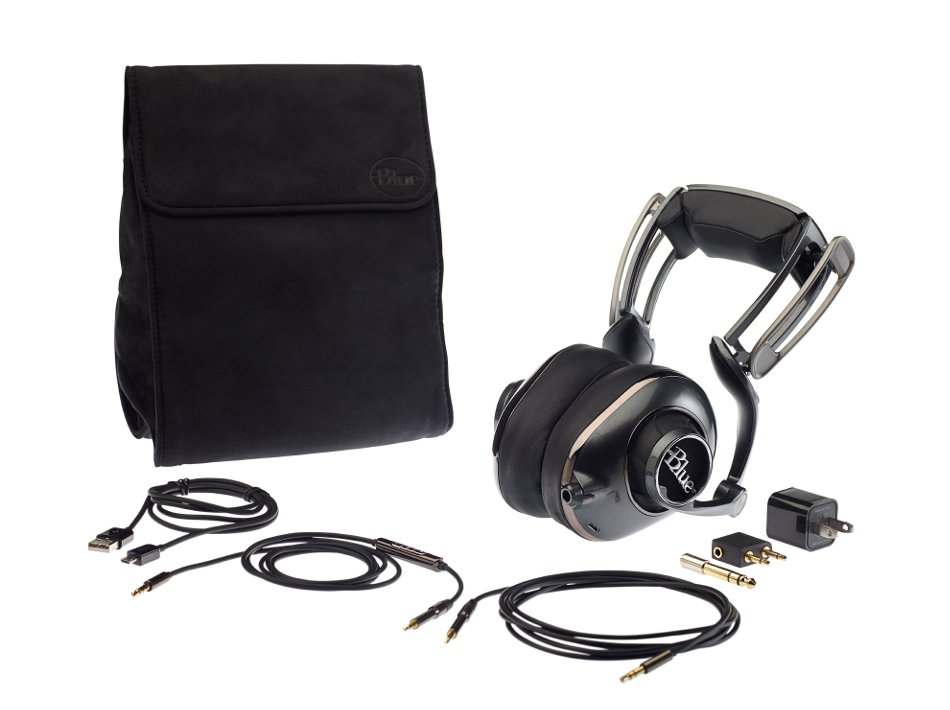 Powered High-Fidelity Headphones with Built-In Headphone Amplifier and Rechargeable Battery