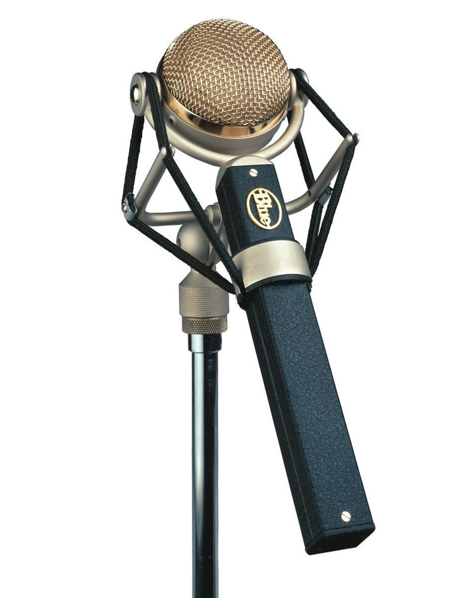 Transformerless Cardioid Large Diaphragm Studio Microphone with Integrated Shockmount