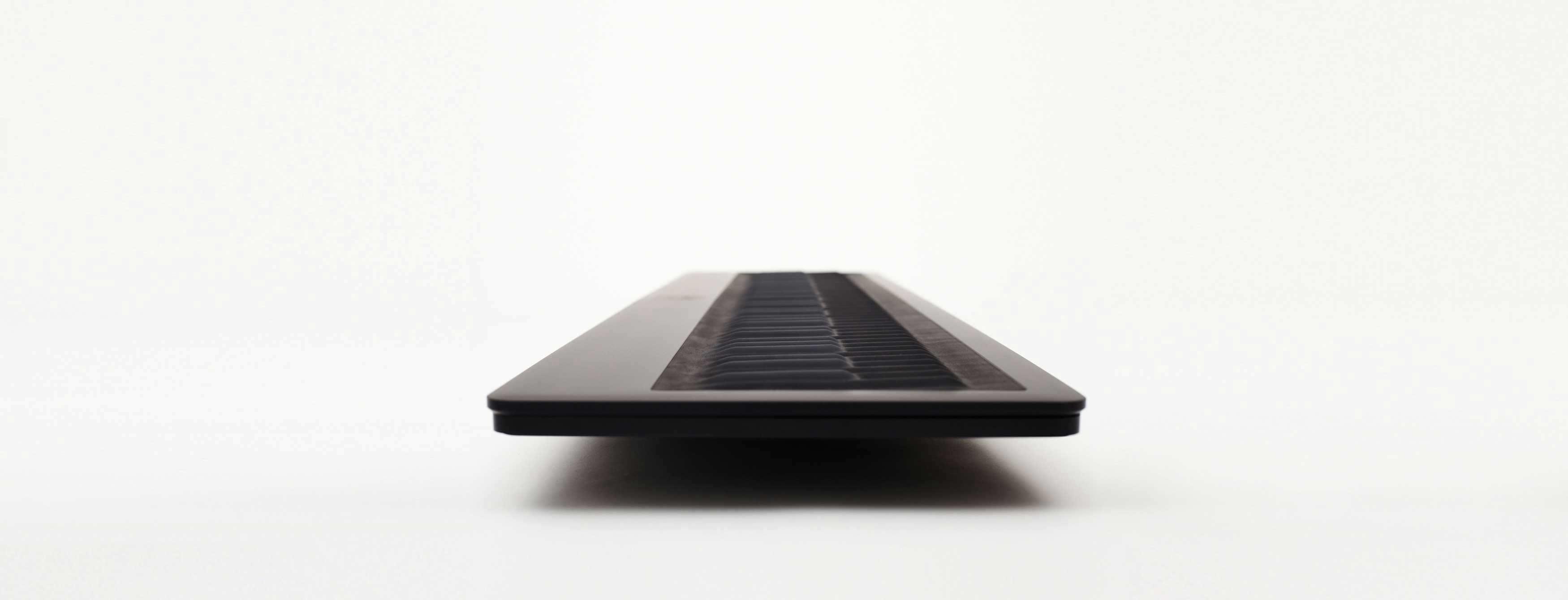 61-Key USB Keyboard Controller/Synthesizer