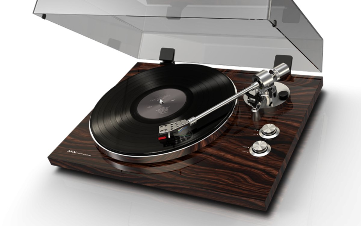 Premium Performance Belt-Drive Turntable with Wireless Streaming