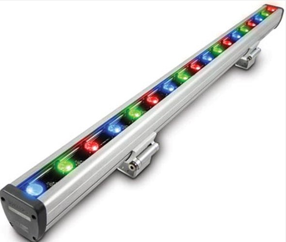 "Vaya 40"" W Linear Color LED Fixture, 10°x50° Beam"