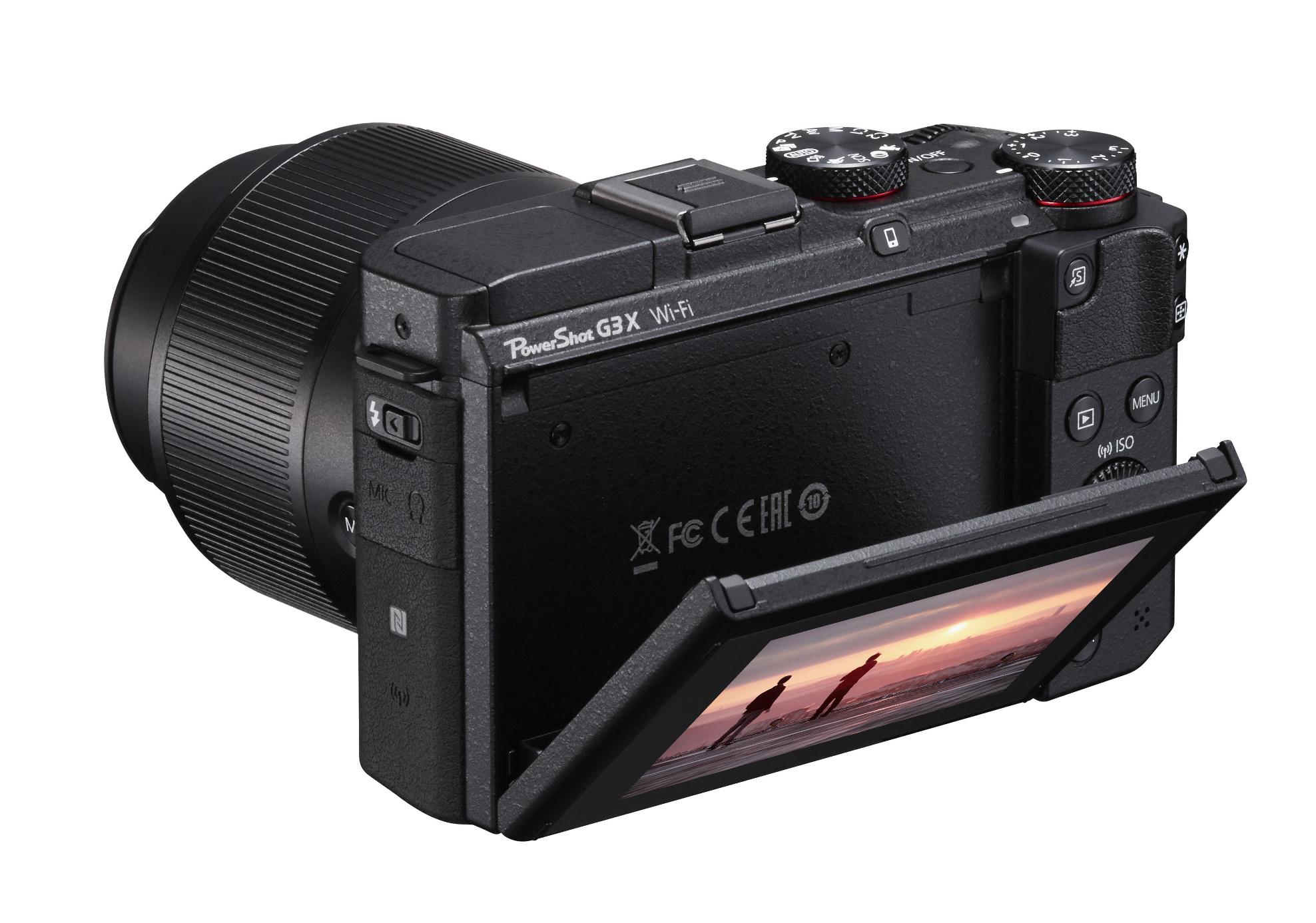 20.2MP Advanced Compact Camera in Black