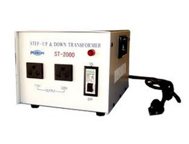 2000 Watt Step Up/Step Down Transformer (110v/220v)