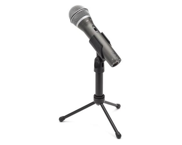 USB / XLR Handheld Dynamic Microphone with HP20 Headphones, Software, and Accessories