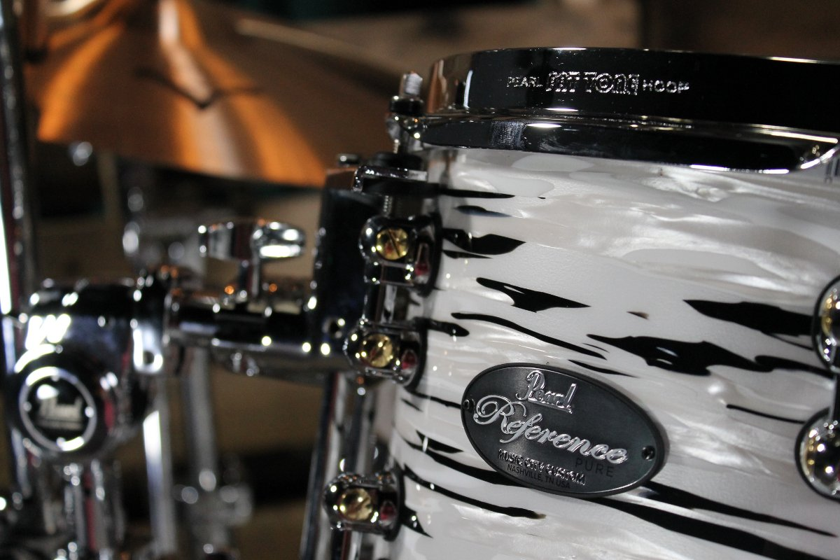 5-Piece Shell Pack C416 in Black N' White Oyster Finish with Gator Elite Air Cases