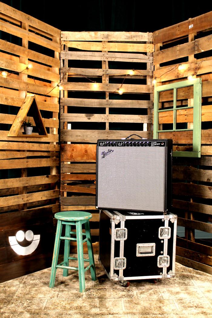 "Vintage '65 Super Reverb Reissue Tube Guitar Amplifier, 4 x 10"" Jensen Speakers, 45W into 2 ohms"