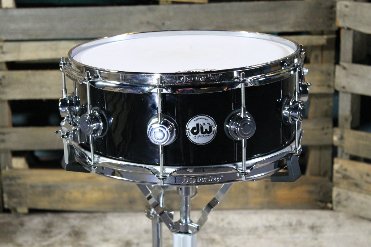 """5.5""""x14"""" Collectors Series Snare Drum, Black Finish Ply over Oak"""