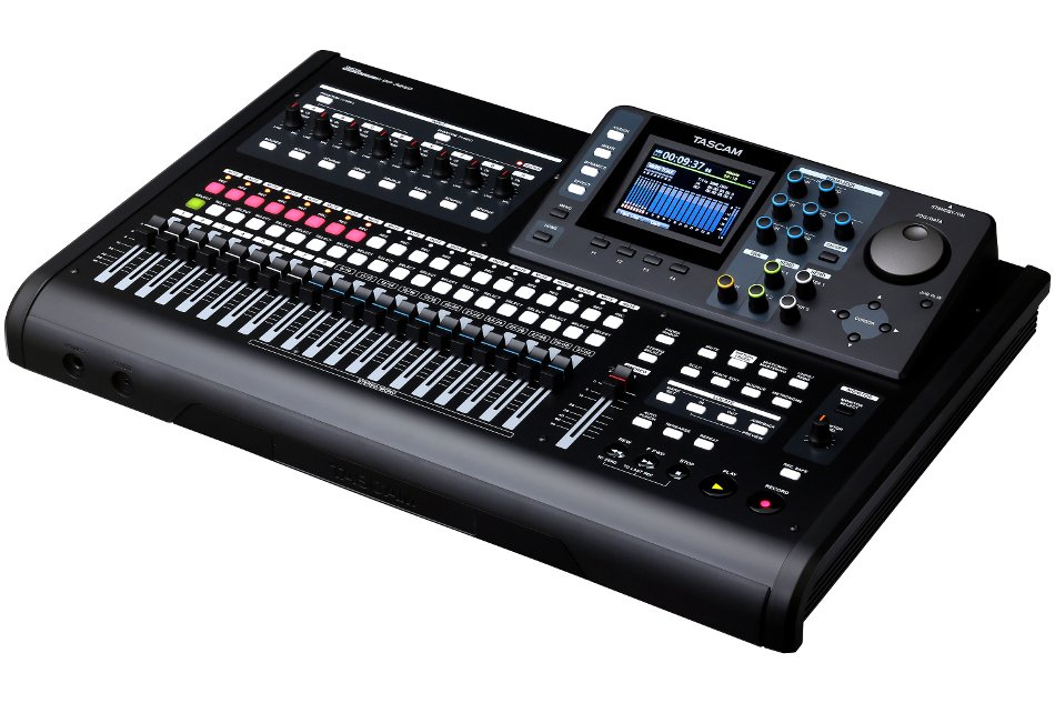32-Track Digital Recorder with Onboard Effects