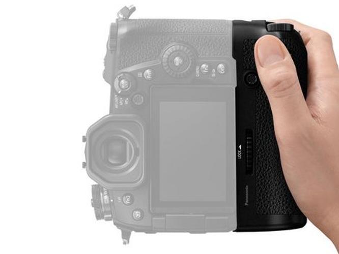Panasonic DMW-BGG9  Battery Grip for DC-G9  DMW-BGG9