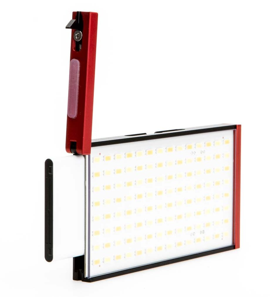 3000K to 6000K On-Board LED Light with Diffusion Filter