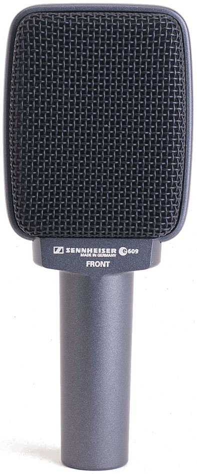 evolution Series Supercardioid Dynamic Microphone in Silver