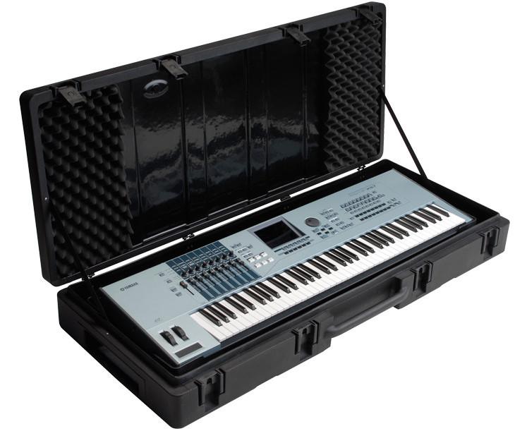 Hardshell Molded 76-Key Keyboard Case with Wheels