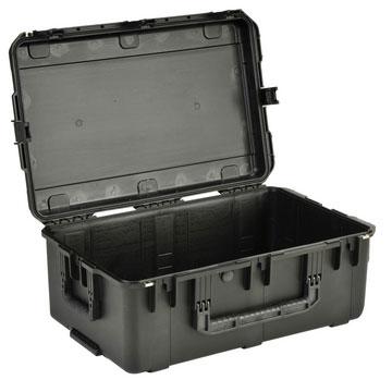 Case Molded 29x18x14 W/Wheels, Empty Interior